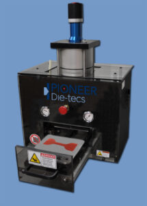pneumatic press for die-cutting specimen dies